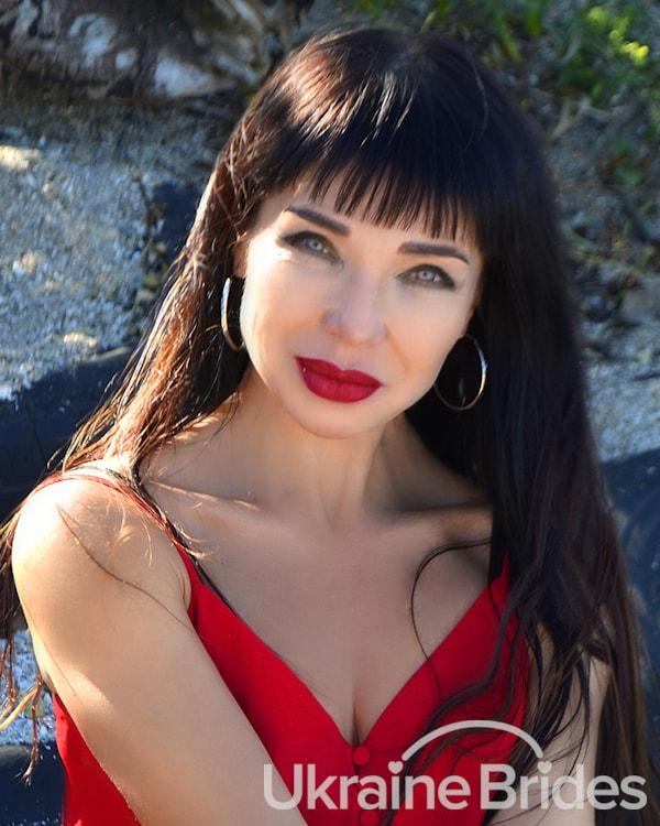 Profile photo for Blue eyed Brunette