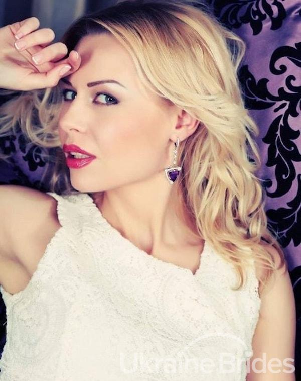 Profile photo for Sincere lady Elena