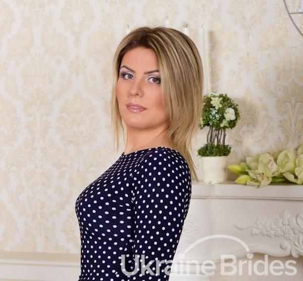 Profile photo for Belle_Julie