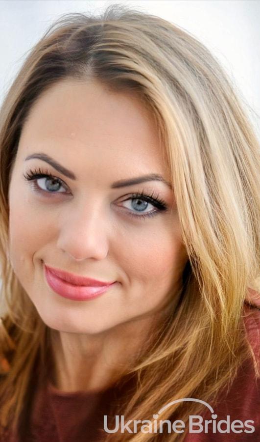 Profile photo for Elenn
