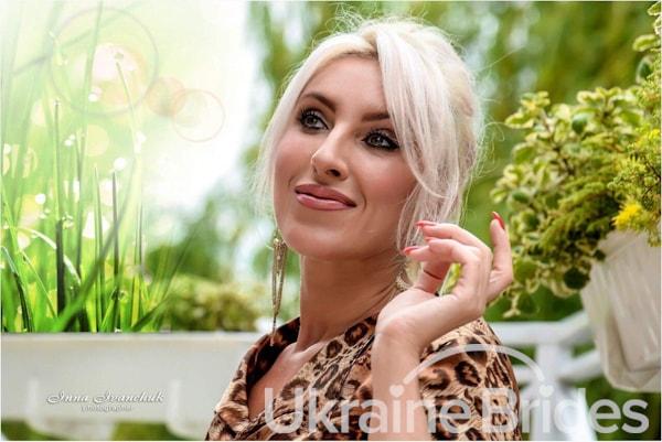 Profile photo for Natali Fleur