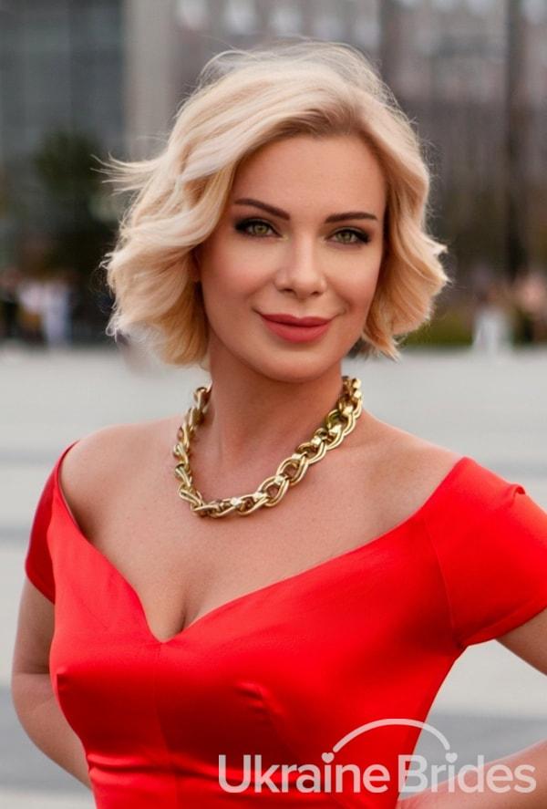 Profile photo for GreenEyed_Charm